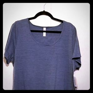 NWT 2xl Classic T-Blue with faint stripes